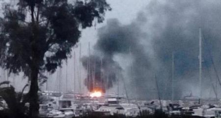 Πάτρα: Πυρκαγιά σε δύο ιστιοφόρα στο παλιό λιμάνι | Pagenews.gr