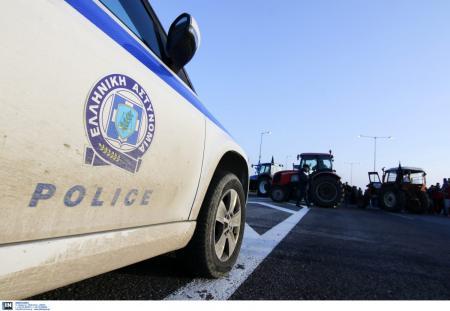 Μπλόκα αγροτών: Αμετακίνητα τα τρακτέρ σε Κεντρική και Δυτική Μακεδονία   Pagenews.gr