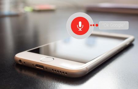 Google Assistant: Σύντομα θα λειτουργεί ως διερμηνέας και θα κάνει «τσεκ-ιν» σε πτήσεις | Pagenews.gr