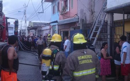 Ισημερινός φωτιά: Τουλάχιστον 17 νεκροί από πυρκαγιά σε παράνομη κλινική αποτοξίνωσης | Pagenews.gr