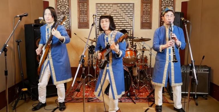 Έπος: Ιάπωνες τραγουδούν τα «Καγκέλια» και δακρύζει (από τα γέλια) το Διαδίκτυο (vid) | Pagenews.gr