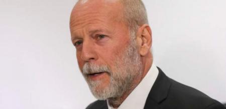 Μπρους Γουίλις: Αποχώρησε υποβασταζόμενος από κλαμπ του Λονδίνου | Pagenews.gr
