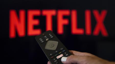 Netflix: Αυτή είναι η νέα σειρά που έχει καθηλώσει τους τηλεθεατές (vid) | Pagenews.gr