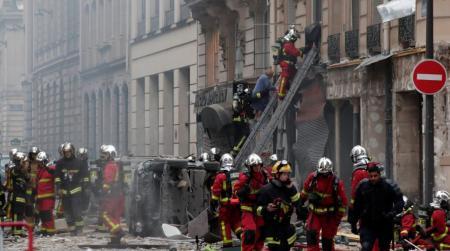 Έκρηξη στο Παρίσι: Εικόνες χάους στο κέντρο της πόλης – Τέσσερις νεκροί, δεκάδες τραυματίες (pics&vids) | Pagenews.gr