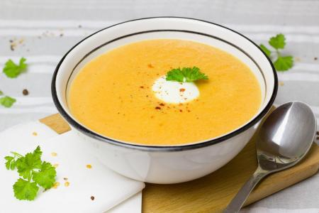 Η συνταγή της ημέρας: Σούπα καρότου με κάρυ και θυμάρι | Pagenews.gr