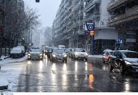 Θεσσαλονίκη καιρός: Πυκνή χιονόπτωση στο κέντρο (pics) | Pagenews.gr