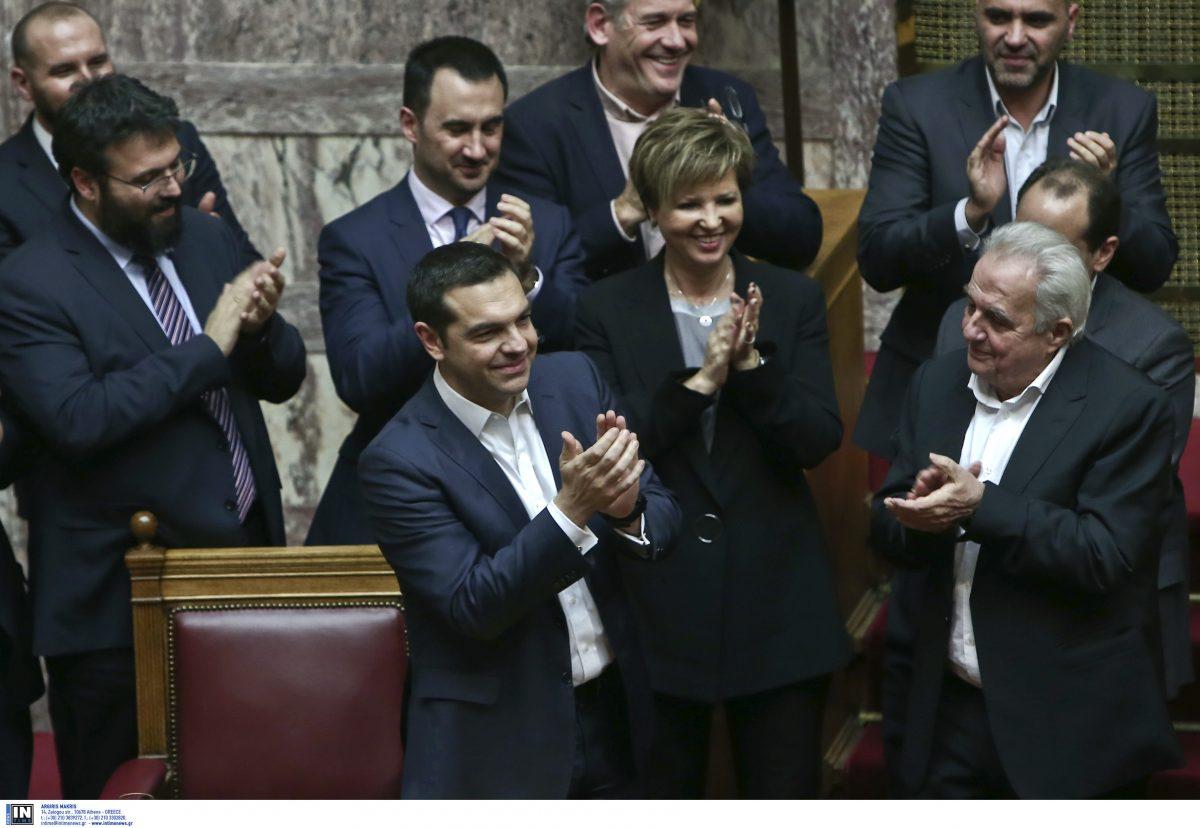 82e0222bbfb1 Ψήφος εμπιστοσύνης  Πήρε 151 ψήφους ο Τσίπρας (vids)