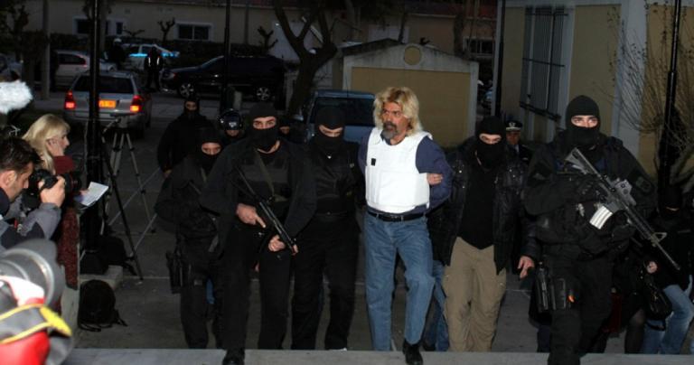 Χριστόδουλος Ξηρός: Η απόδραση, η σύλληψη, η «μεταμφίεση» (vid) | Pagenews.gr