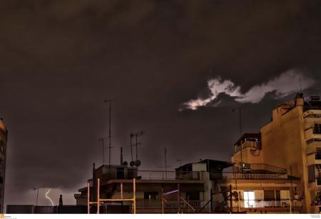 Καιρός: Πάνω 6.250 κεραυνοί έπεσαν την Τρίτη (χάρτης)   Pagenews.gr