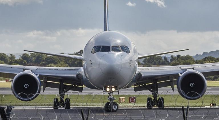Αναγκαστική προσγείωση αεροσκάφους στο αεροδρόμιο Ηρακλείου | Pagenews.gr