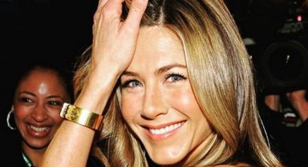 Jennifer Aniston: Έγινε 50 και γιόρτασε μαζί με τον Brad Pitt (pics) | Pagenews.gr
