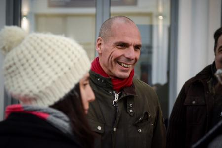 Βαρουφάκης: Απίστευτο ποιον θα έχει δίπλα του στην παρουσίαση του ψηφοδελτίου του για τις ευρωεκλογές | Pagenews.gr