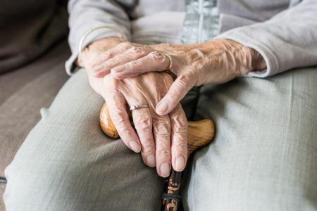 Συντάξεις χηρείας: Τι θα ισχύσει για το ηλικιακό όριο – Οι τροποποιήσεις που έρχονται   Pagenews.gr