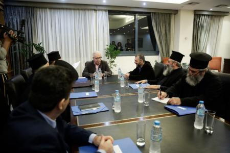Συμφωνία Κράτους – Εκκλησίας: Θωρακίζεται η μισθοδοσία των κληρικών | Pagenews.gr