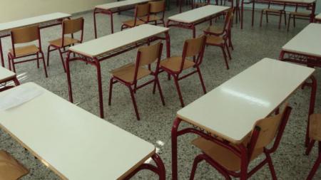 Μαθήτρια στην Πάτρα είπε σε καθηγητή «μην μας σκοτίζεις τα @ρχ!δ!@» και έπεσε ξύλο (vid) | Pagenews.gr