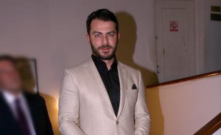 Γιώργος Αγγελόπουλος – αγνώριστος: Η μεγάλη αλλαγή στην εμφάνιση του Ντάνου   Pagenews.gr