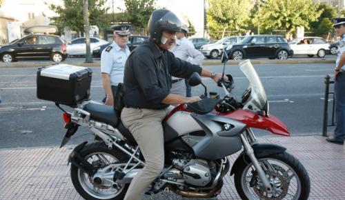 Ξένα ΜΜΕ για Πολάκη: «Συνηθισμένος να τραβά τα βλέμματα» | Pagenews.gr