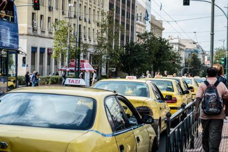 Ταξί: Οδηγοί στη Θεσσαλονίκη εκτελούσαν «κούρσες» με tablet κι απενεργοποιημένα ταξίμετρα | Pagenews.gr