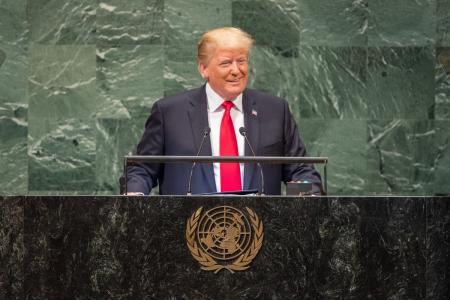 Ντόναλντ Τραμπ: Ο πρόεδρος των ΗΠΑ διαβεβαιώνει ότι εργάζεται σκληρά | Pagenews.gr
