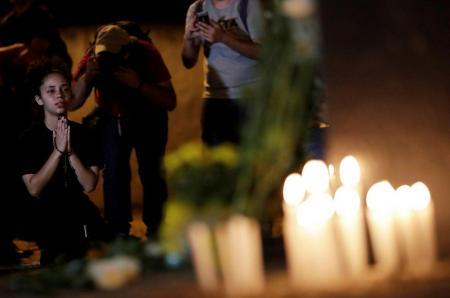 Βραζιλία: Η πόλη Σουζάνο αποχαιρετά τα θύματα της επίθεσης στο σχολείο | Pagenews.gr