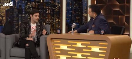 Ίαν Στρατής: Ο λόγος που κατέβασε το παντελόνι του στο «X Factor» (vid) | Pagenews.gr