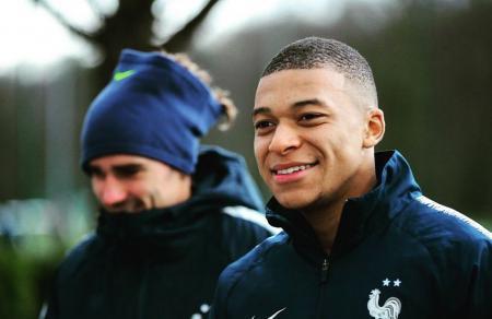 Ρεάλ: «Με 280 εκατομμύρια ο Εμπαπέ στη Βασίλισσα» – Τι αναφέρει το France Football | Pagenews.gr