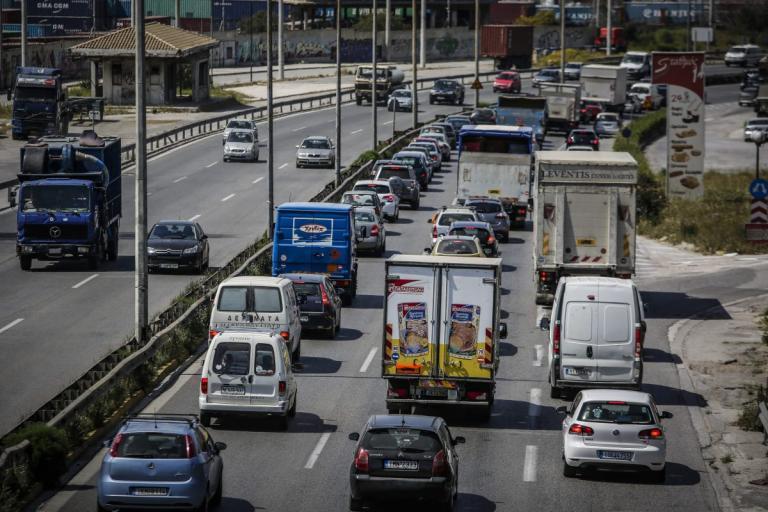Κίνηση στους δρόμους: Μποτιλιάρισμα 23 χιλιομέτρων στον Κηφισό – Σημειωτόν τα αυτοκίνητα από την Κηφισιά έως τον Πειραιά | Pagenews.gr