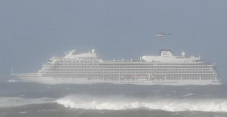 Νορβηγία: Ολονύχτιες προσπάθειες για την εκκένωση του κρουαζιερόπλοιου (vid) | Pagenews.gr