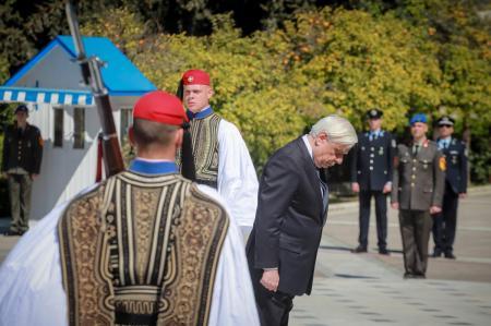 Παυλόπουλος: «Μολών Λαβέ» σε όποιον διανοηθεί να επιβουλευτεί την ελευθερία μας | Pagenews.gr