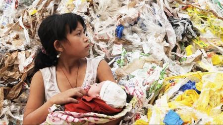 «Plastic China»: Προβολή του ντοκιμαντέρ σε Θεσσαλονίκη και Αθήνα από το Kinderdocs   Pagenews.gr