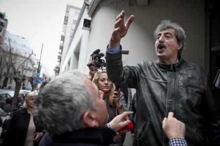 Χαμός στο Twitter για τον Πολάκη και την ανάρτησή του εναντίον του Κυμπουρόπουλου (pics)   Pagenews.gr