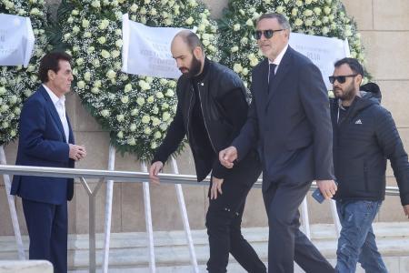 Θανάσης Γιαννακόπουλος: Στη Μητρόπολη ο Βασίλης Σπανούλης (pics) | Pagenews.gr