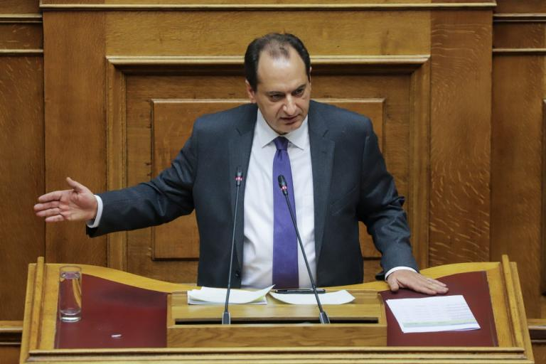 Δίπλωμα οδήγησης: Τροπολογία Σπίρτζη για όσους είναι άνω των 74 ετών | Pagenews.gr