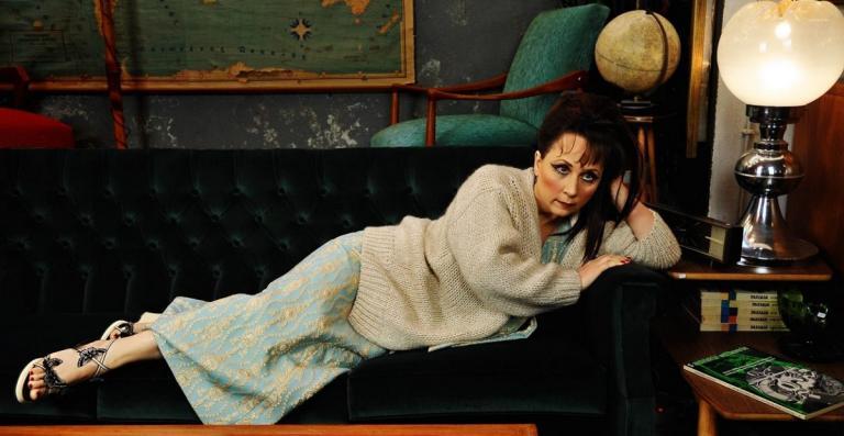 Μαίρη Σταυρακέλλη στο pagenews.gr: Στη σκηνή νομίζω ότι γεννήθηκα και κατοικώ από πάντα | Pagenews.gr