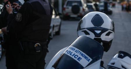 Κινηματογραφική καταδίωξη στη Θεσσαλονίκη: Εμβόλισαν οχήματα της ΕΛΑΣ και επιτέθηκαν σε αστυνομικούς | Pagenews.gr
