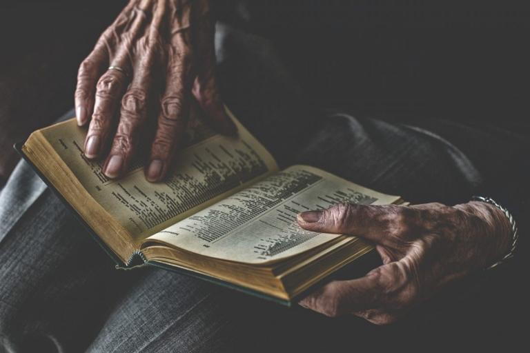 Ρόουζ Μαρί Μπέντλεϊ: Η γυναίκα που έζησε έως τα 99 με τα όργανά της σε λάθος θέσεις μέσα στο σώμα της | Pagenews.gr