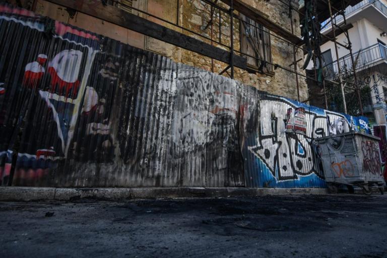 Εξάρχεια: Νέα νύχτα επεισοδίων με μολότοφ – Κάηκε αυτοκίνητο   Pagenews.gr