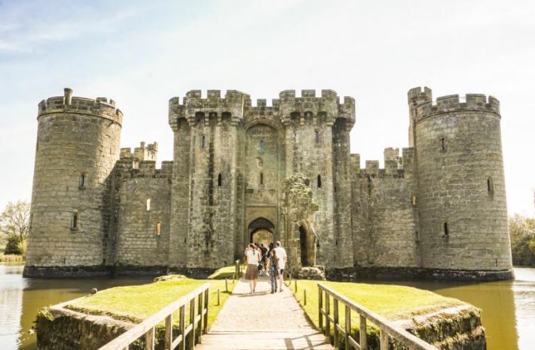 Ιρλανδία: Στα ύψη ο τουρισμός μετά το Game Of Thrones   Pagenews.gr