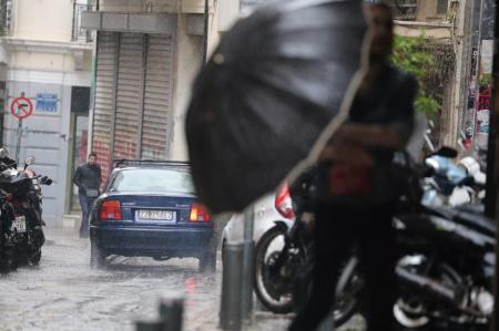 Καιρός: Πώς θα μετακινηθείτε με ασφάλεια – Συμβουλές της αστυνομίας | Pagenews.gr