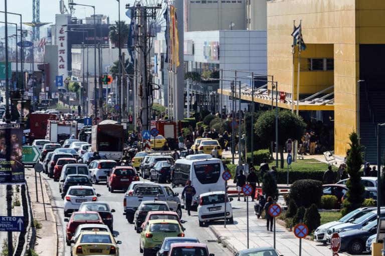 Κίνηση στους δρόμους: Προβλήματα και μποτιλιάρισμα σε αρκετές περιοχές   Pagenews.gr
