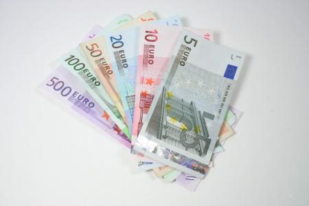Μεγάλη εβδομάδα 2019: Ποιοι θα δουν χρήματα στους λογαριασμούς τους | Pagenews.gr