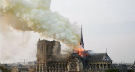 Παναγία των Παρισίων: Την θλίψη τους εξέφρασαν οι Έλληνες πολιτικοί για την καταστροφή του ναού | Pagenews.gr