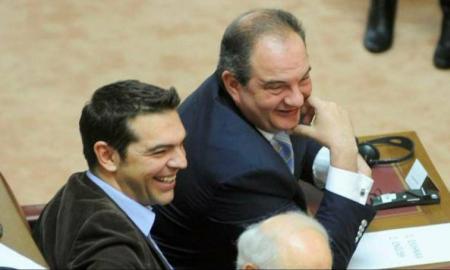 Ο Αλέξης Τσίπρας απασφάλισε εναντίον του Καραμανλή | Pagenews.gr