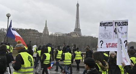 Γαλλία: Στους δρόμους ξανά τα «Κίτρινα Γιλέκα» – Μειωμένη η συμμετοχή   Pagenews.gr