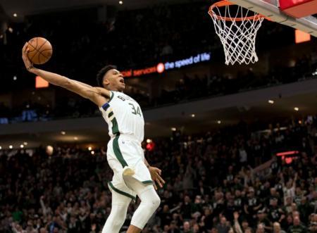 NBA: Ασταμάτητος ο Αντετοκούνμπο, πρώτη νίκη για τους Μπακς | Pagenews.gr