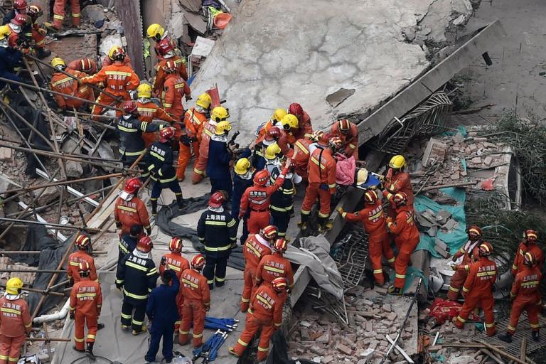 Κίνα: Επτά νεκροί από την κατάρρευση κτιρίου στη Σανγκάη | Pagenews.gr