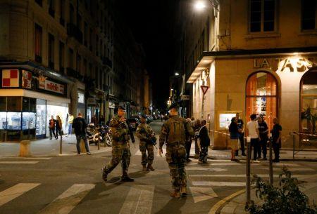 Έκρηξη στη Λιόν: Νέες φωτογραφίες του υπόπτου δημοσιοποίησε η αστυνομία | Pagenews.gr