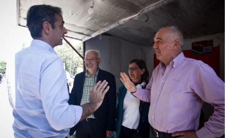 Μητσοτάκης σε εκλογικό περίπτερο του ΣΥΡΙΖΑ: Δεν θα ευχηθώ καλή επιτυχία (vid) | Pagenews.gr