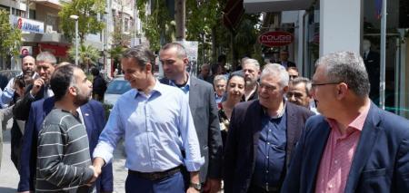 Εκλογές 2019: Το λογοπαίγνιο του Κυριάκου Μητσοτάκη σε κουρείο για τον ΣΥΡΙΖΑ (vid) | Pagenews.gr