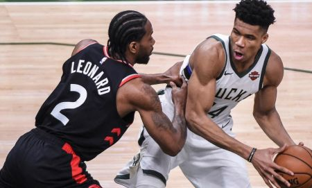 NBA: Πάλεψε αλλά δεν τα κατάφερε ο Αντετοκούνμπο – Προβάδισμα για τους Ράπτορς | Pagenews.gr
